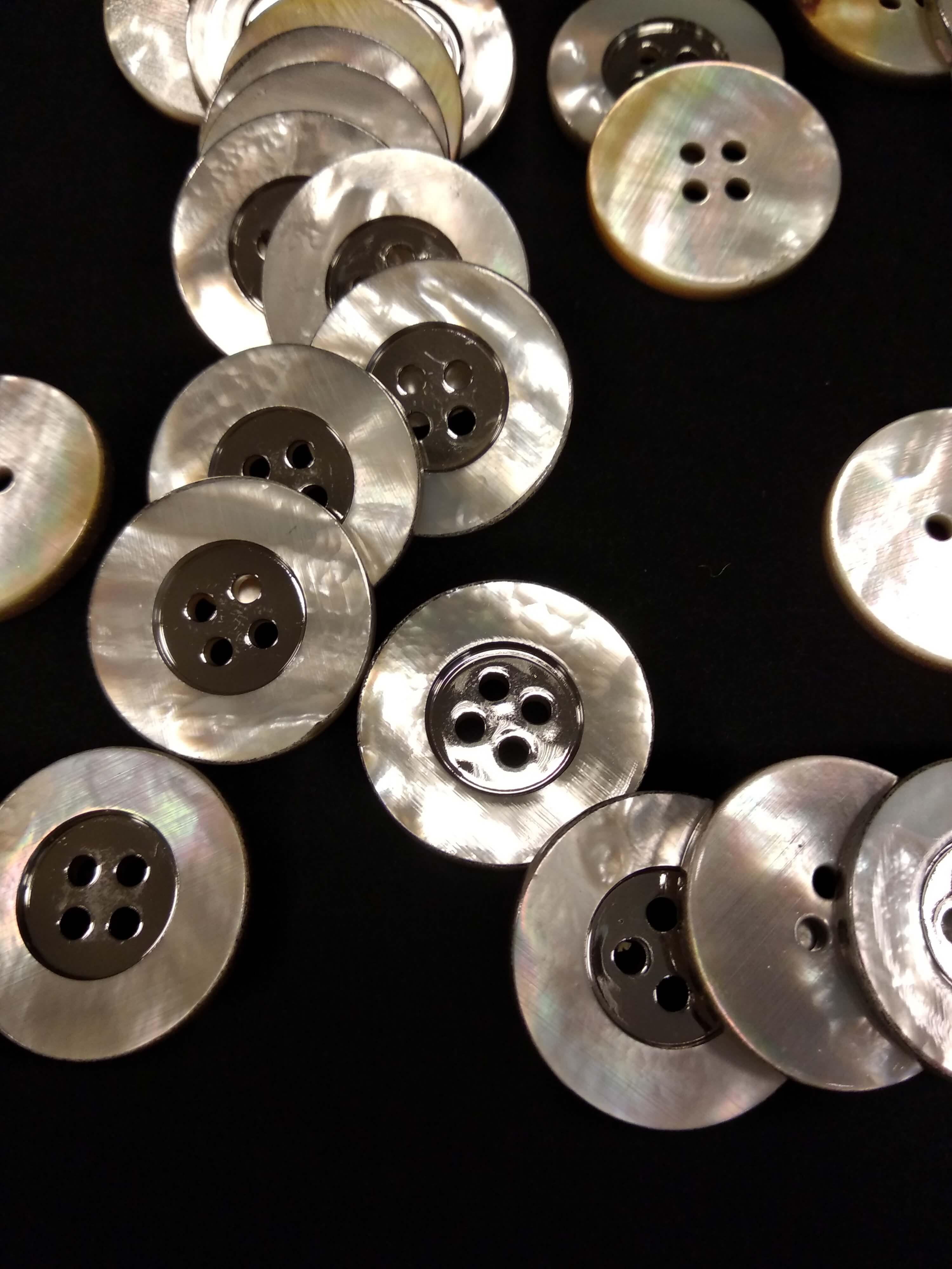 Костюмные пуговицы с перламутром ФП 78